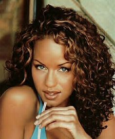 Brown Highlights On Black Curly Hair Google Search Medium Curly Hair Styles Curly Hair Styles Colored Curly Hair