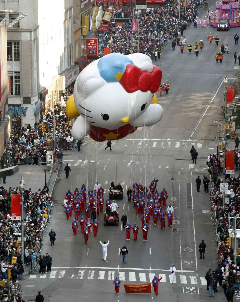 9 Lives And Counting Hello Kitty Turns 40 Hello Kitty Macy S Thanksgiving Day Parade Thanksgiving Day Parade