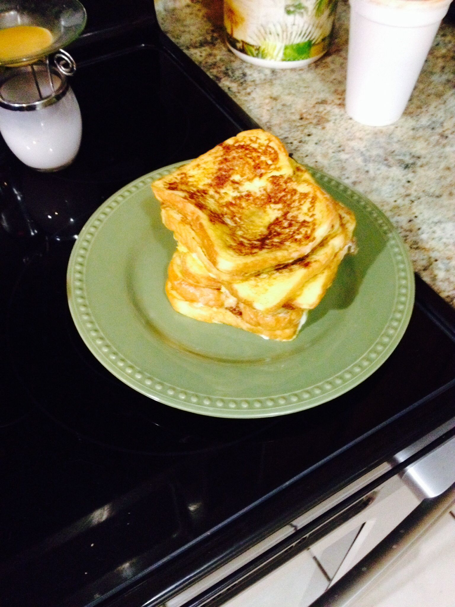 Ummm someone made french toast for the loved ones this morning#breakfast #frenchtoast #syrup #cinnamon #yum
