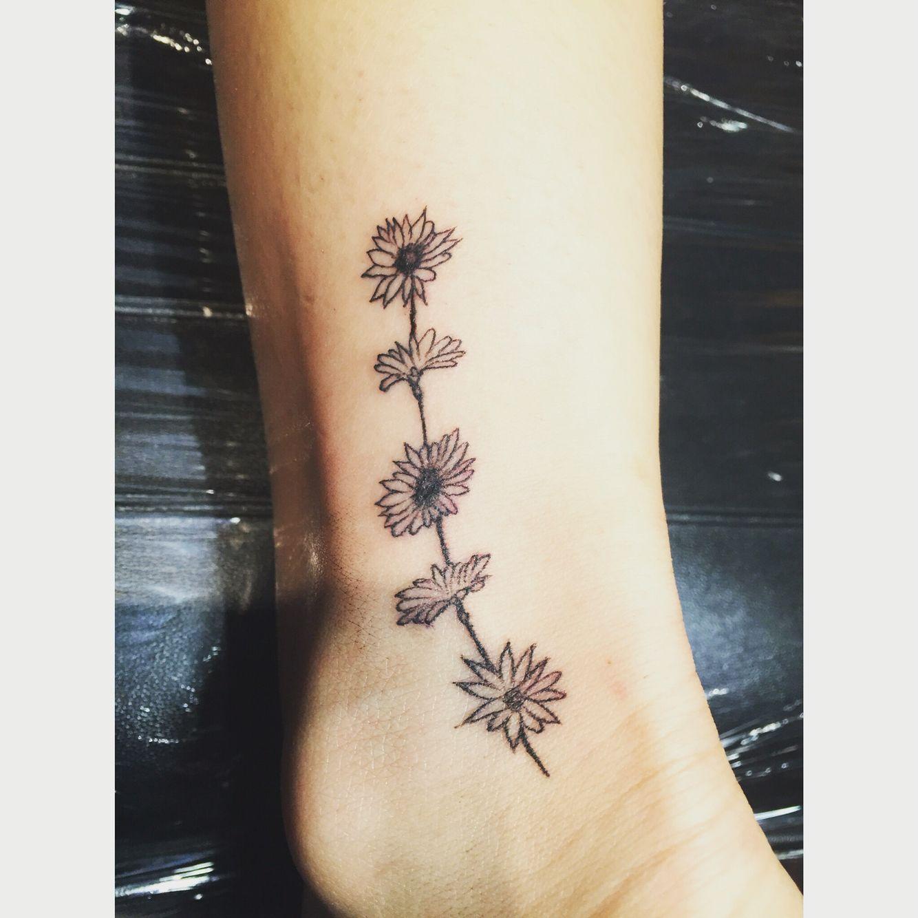 Daisy Chain Tattoo Skin Care Daisy Chain Tattoo Chain Tattoo