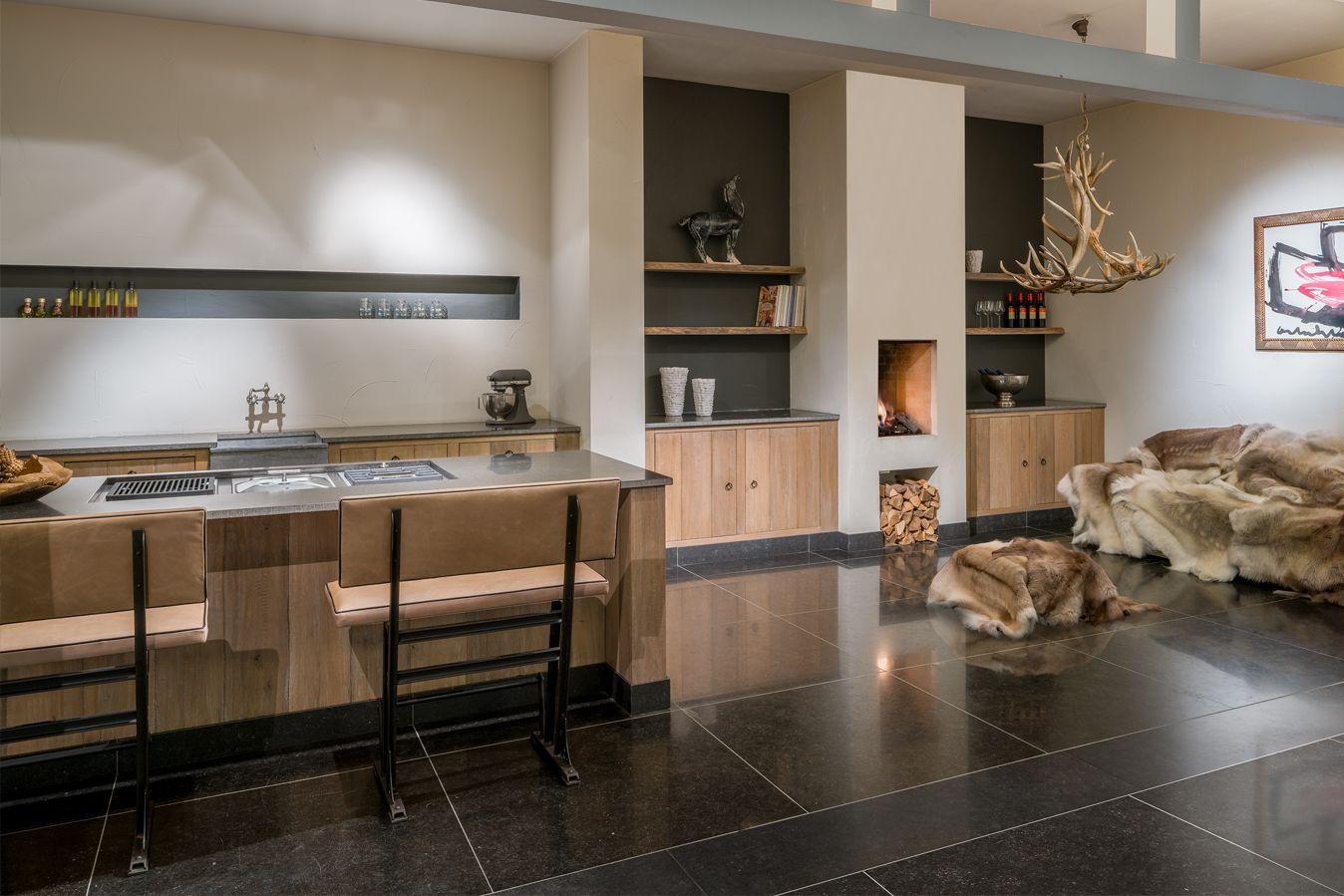 Keuken Badkamer Vloeren : Wooninspiratie voor keuken badkamer vloer en meubilair bij de