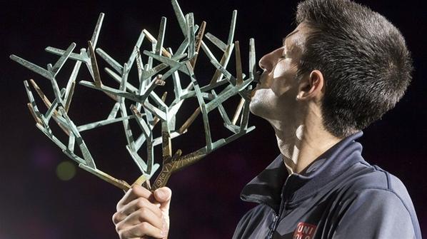 Djokovic gana Masters 1000 de París y sigue firme como número uno del mundo. En Zcode encuentras las mejores predicciones deportivas en #tenis http://www.newsystem.me/zcodefb #Pronosticosdeportivos #prediccionesdeportivas #deportes #apuestas #loteria #Sportbooks #gambling #Djokovic