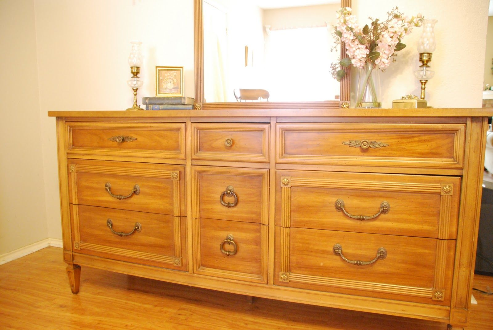 Affordable thomasville bedroom furniture with bedroom vanity storage
