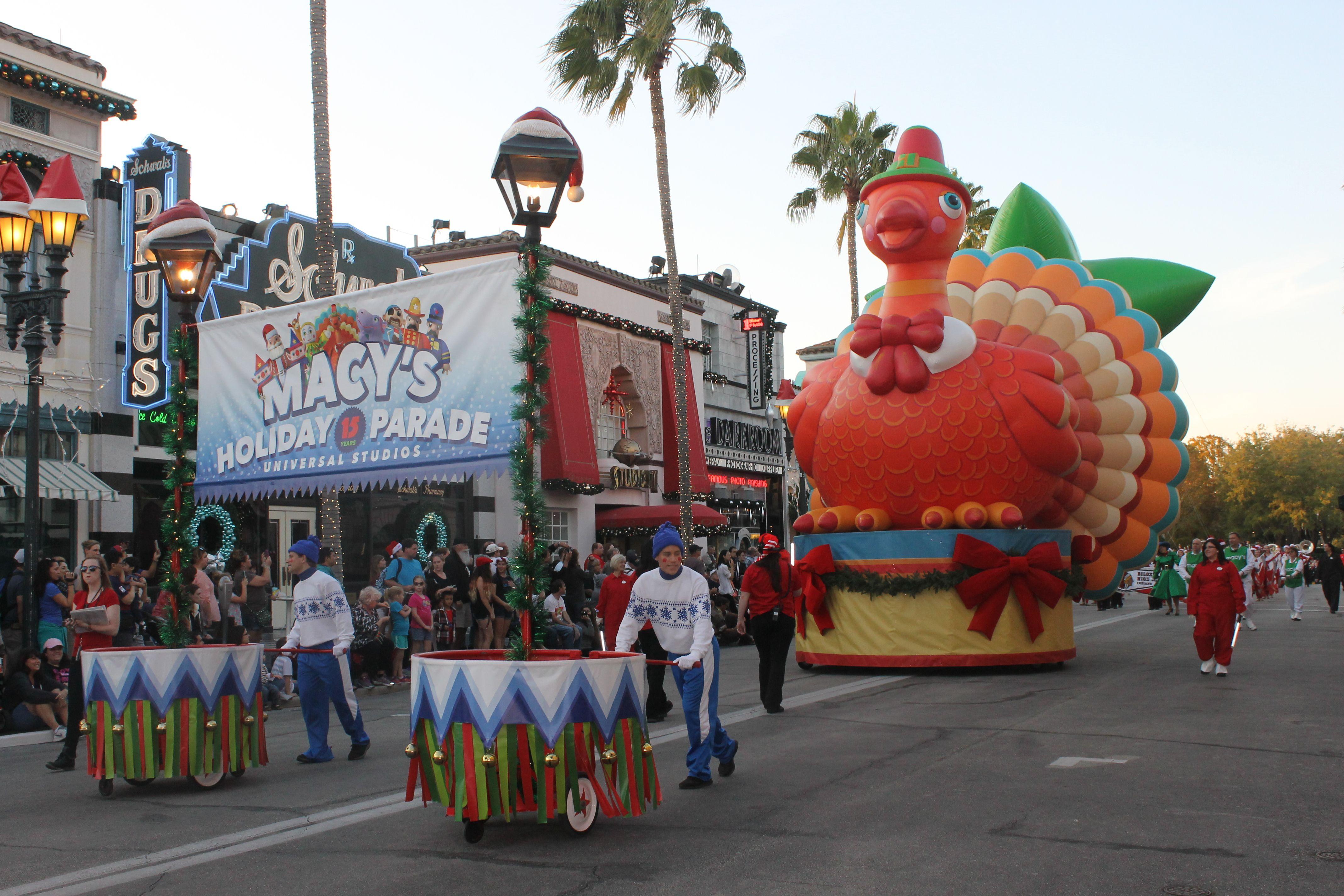 Universal Macy Day Parade
