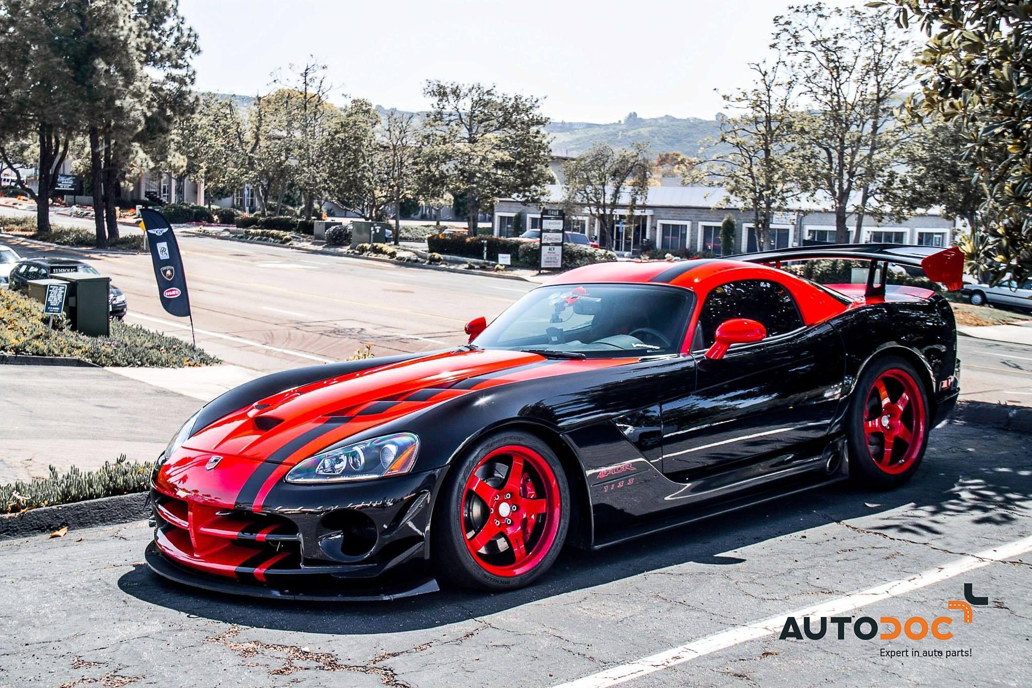 #Dodge #Viper ACR Puissance – 654 ch Vitesse maximale – 300 km/h #Car #SportCar #Auto #SuperCar #AutoDoc