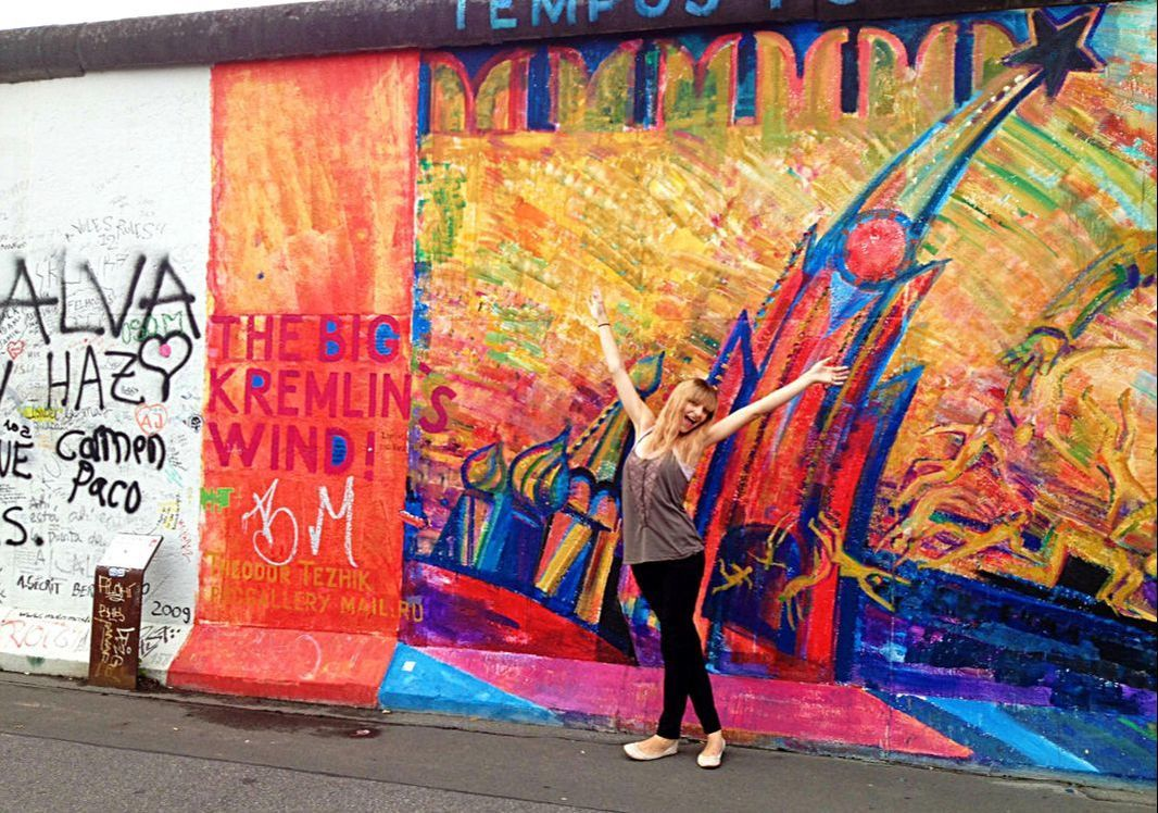 East Side Gallery Berlin Germany The Big Kremlin S Wind East Side Gallery Street Art Urban Art