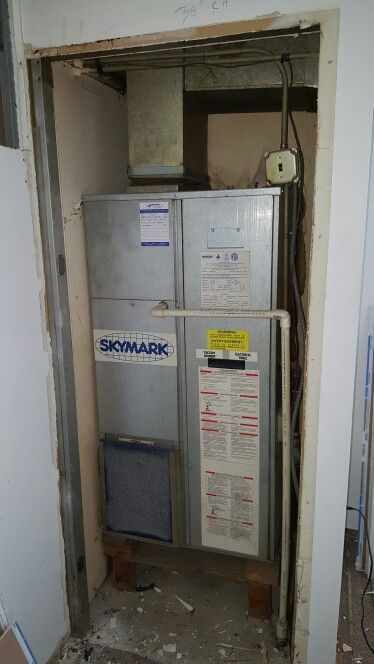 Skymark Package Unit In Closet Prior To Removal For A Replacement Mitsubishi Ductless Hyper Air Conditioning System Hvac Equipment Heating And Air Conditioning