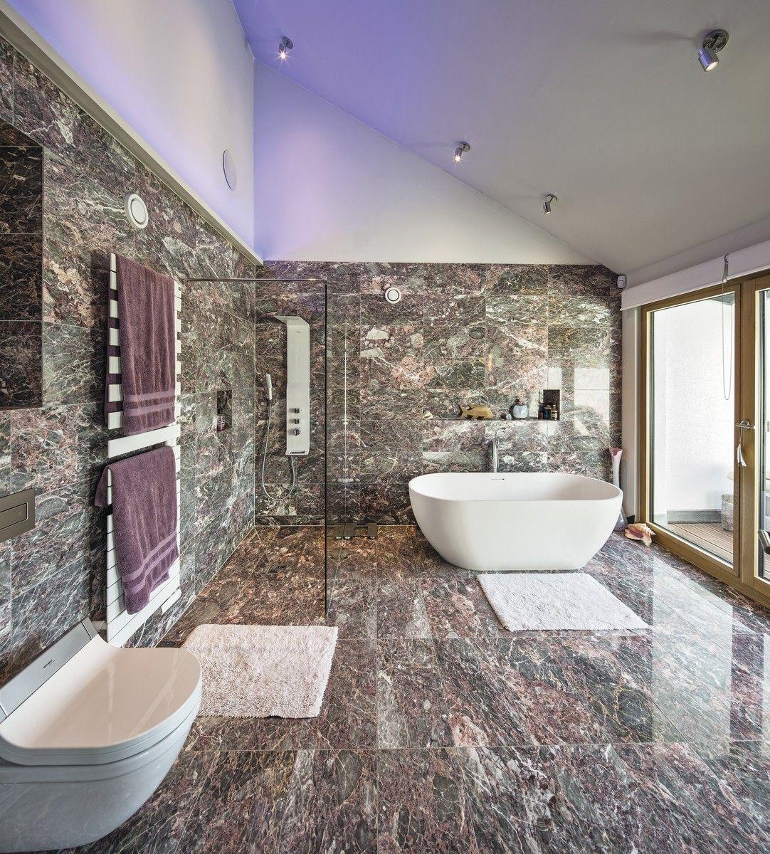 luxus badezimmer mit marmor fliesen inneneinrichtung weberhaus villa hausbaudirektde - Luxus Badezimmer Fliesen