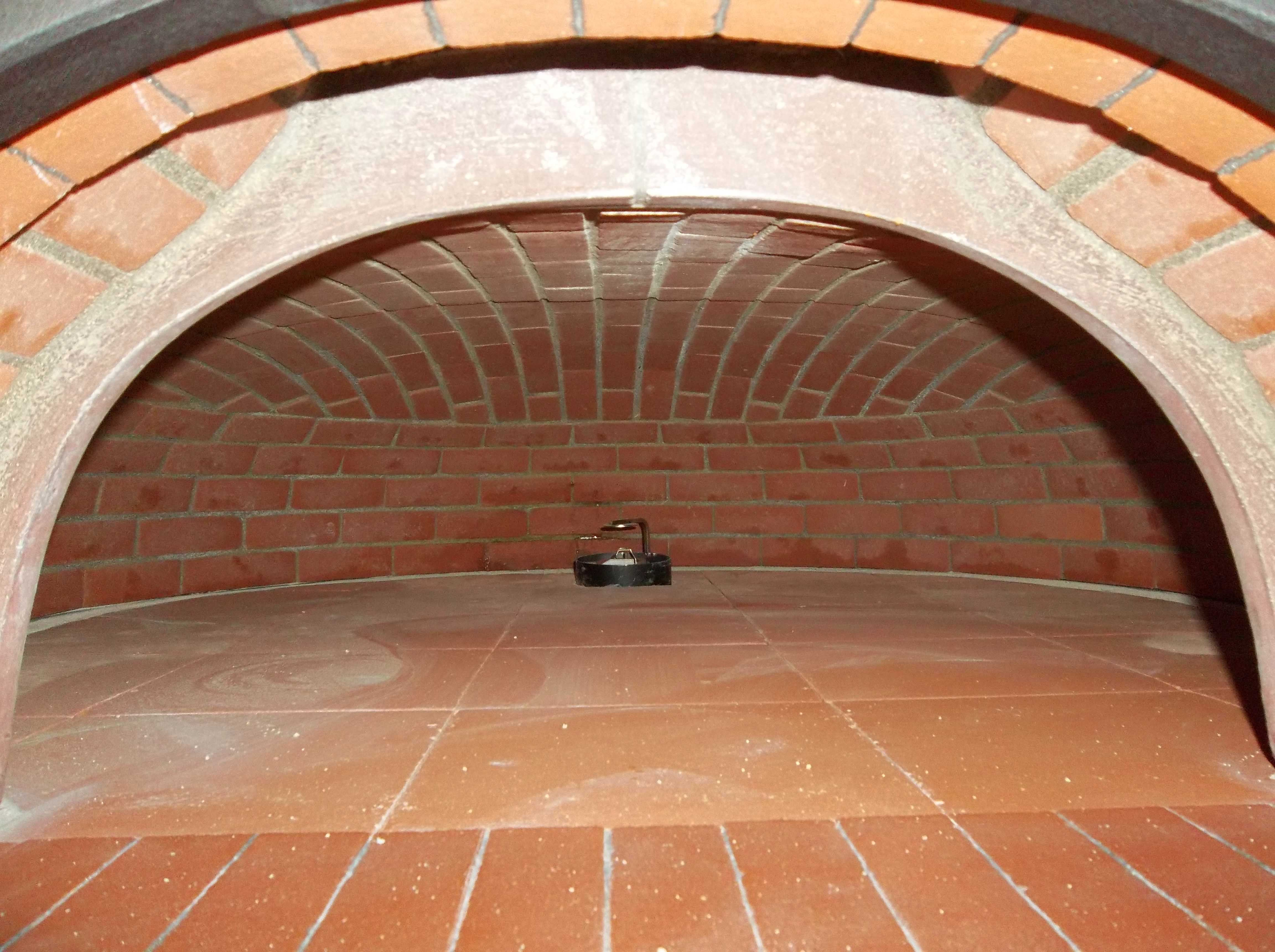 Fully Bricked Oven Can Be Used For Making Pizza Bread Anything You D Like Fully Bricked Oven Wood Hornos De Ladrillo Hornos Para Pizzas Estufas De Lena