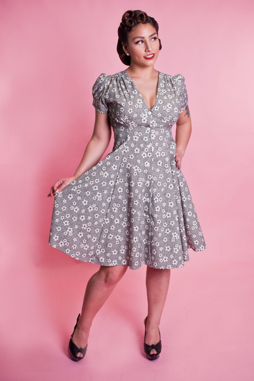 Millie Dress - 40\'s Floral Black