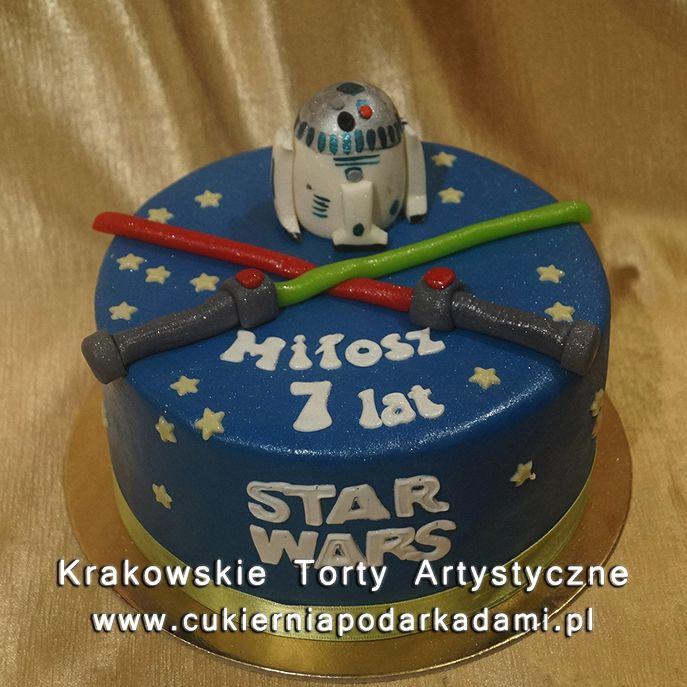2df8395c27c578 Tort z robotem z filmu Gwiezdne Wojny. Cake with the robot from Star Wars.