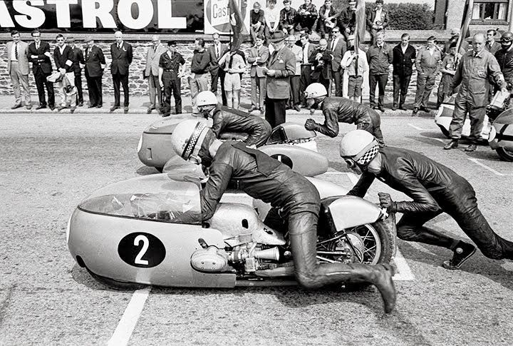 Motorcycle sidecar racing *