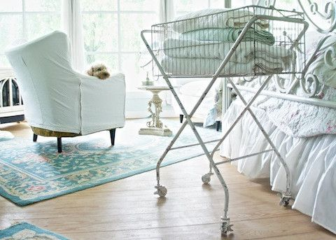 Would love this cart in my craft room/home office!