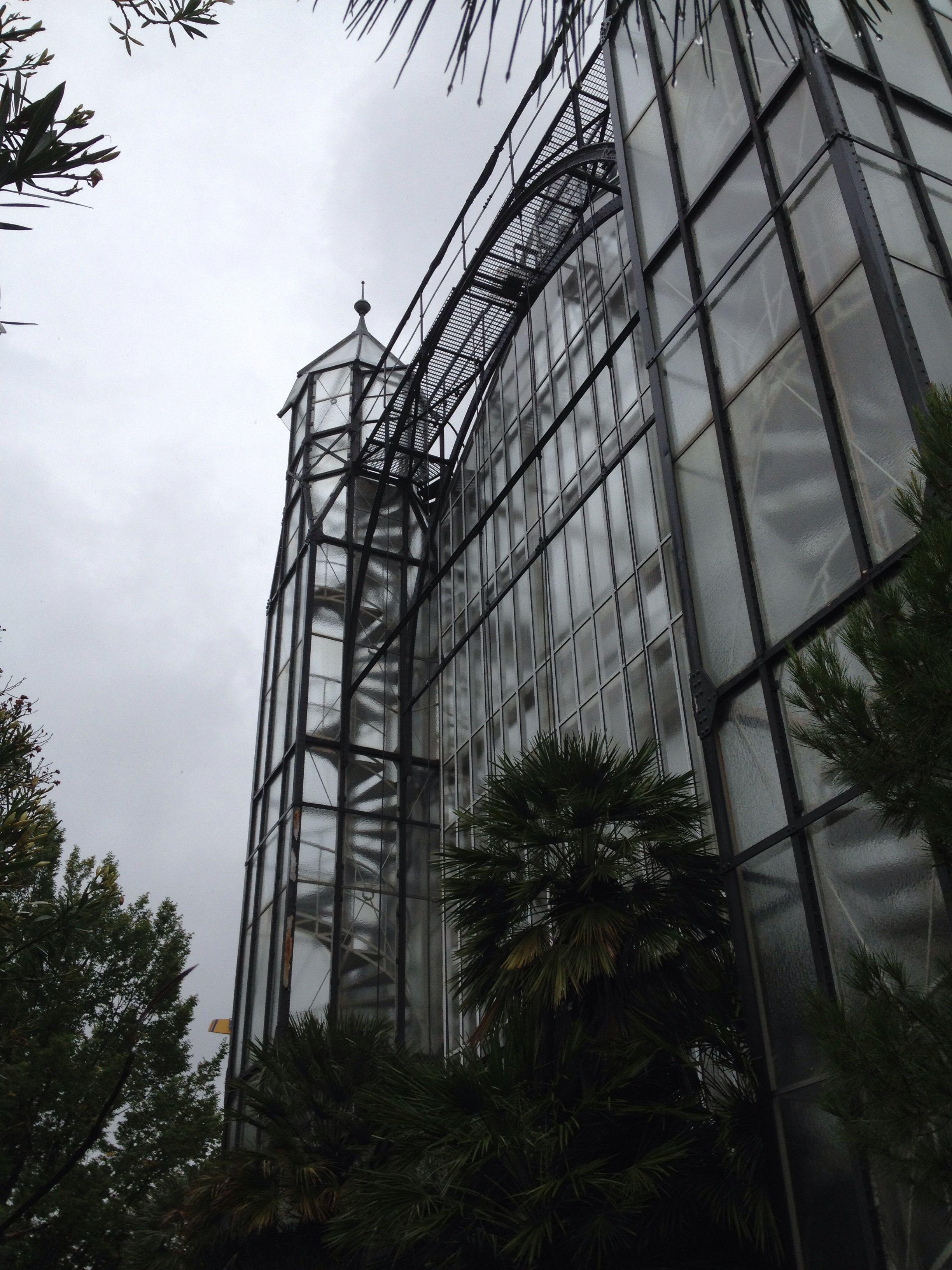 Berlindahlem Botanischen Garten Botanischen Garten Berlin Dahlem In 2020 Explore Berlin Utility Pole