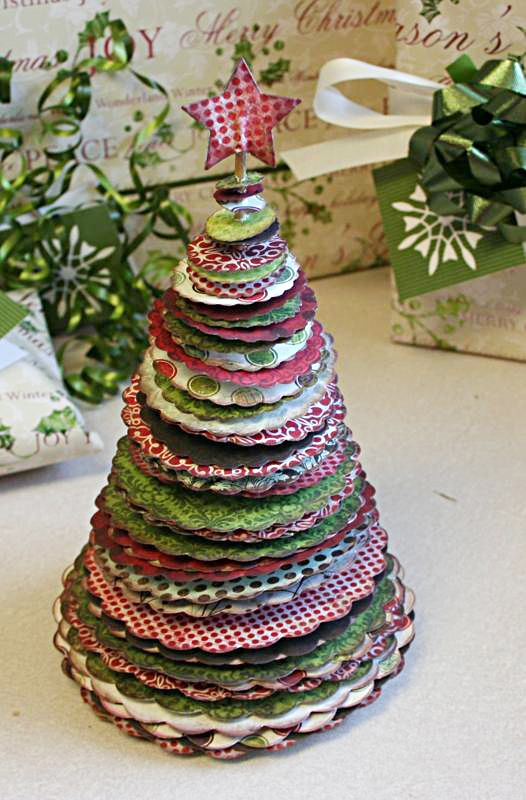 8 idées pour créer des décorations de Noël en forme de sapin