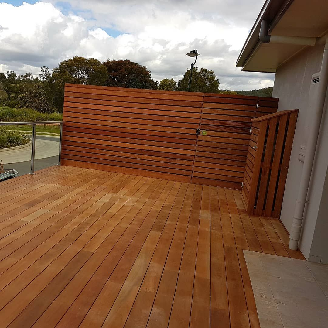 140mm Spotted Gum Decking With Merbau Screen With Added Gas Tank Enclosure Deck Spotted Gum Decking Deck Design
