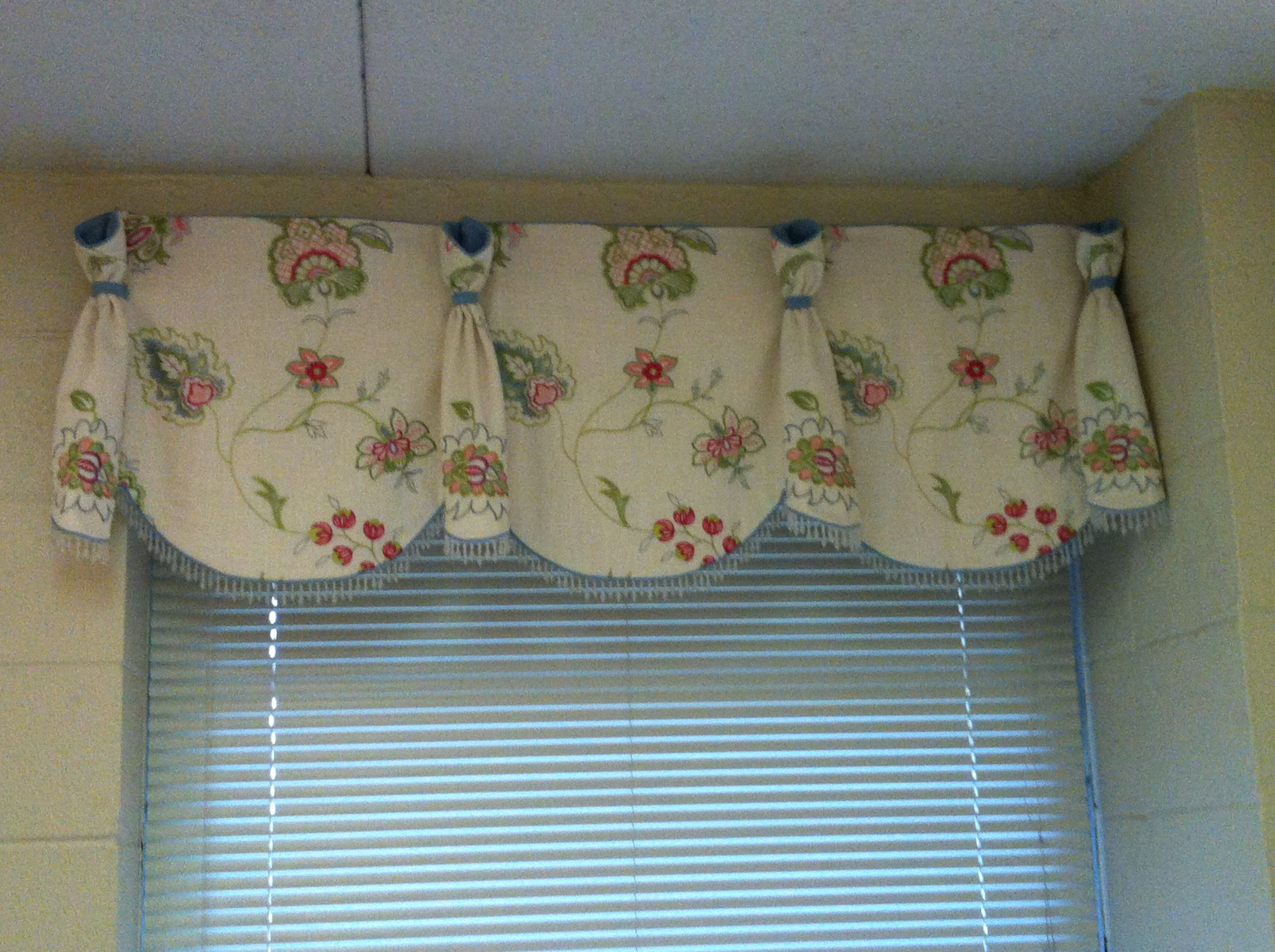 Queen Anne Valance For Bek 39 S Dorm Room For The Home