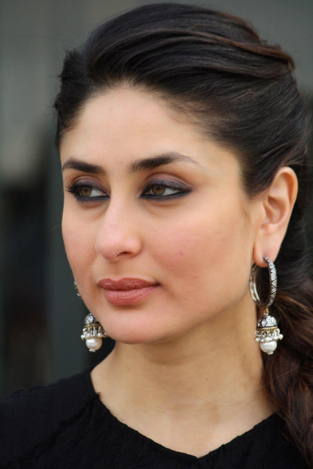 Glamorous Kareena Kapoor Photos In Black Dress Kareena Kapoor Photos Kareena Kapoor Beautiful Bollywood Actress