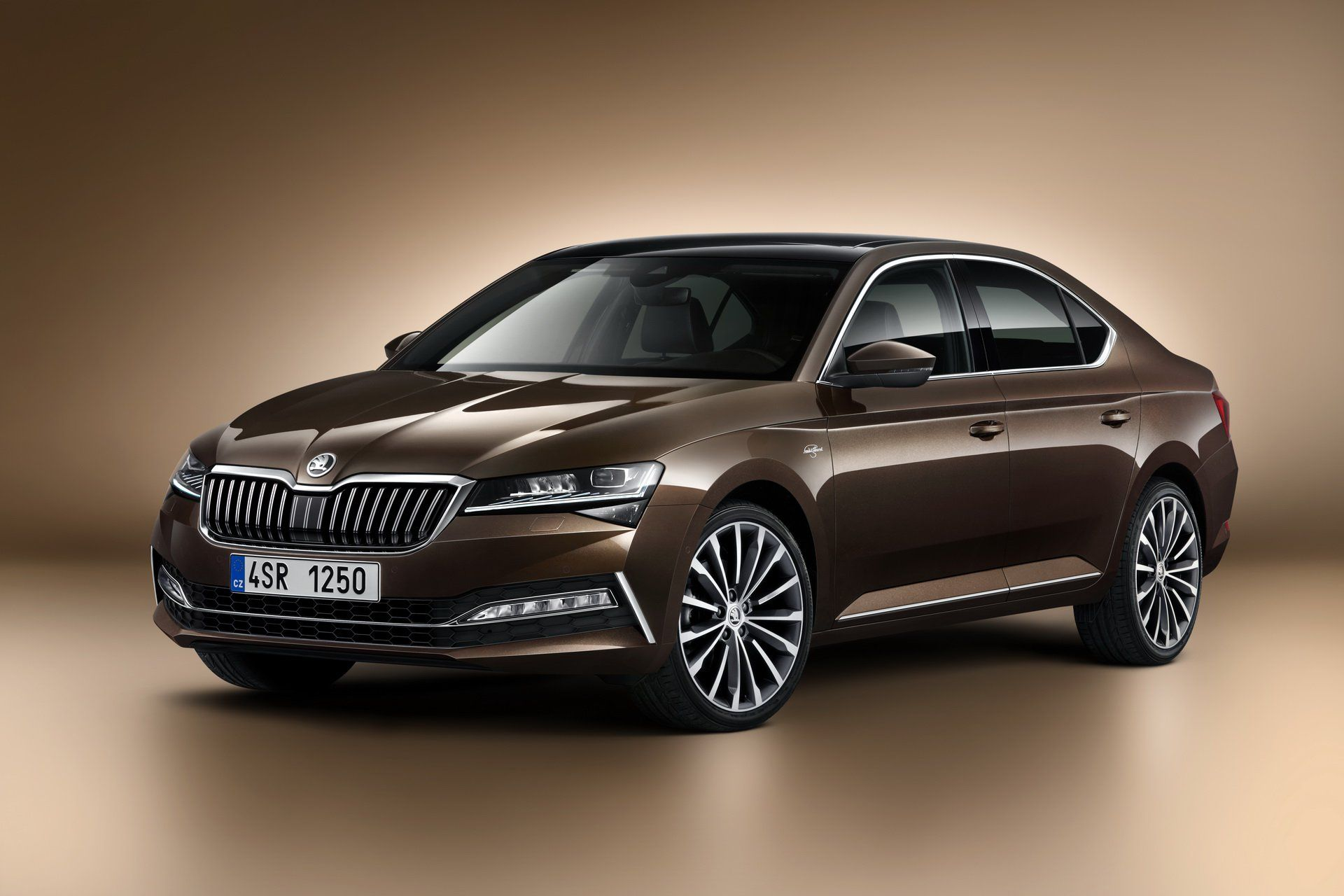 Restyled Skoda Superb Breaks Cover With Fresh New Tech Superbe