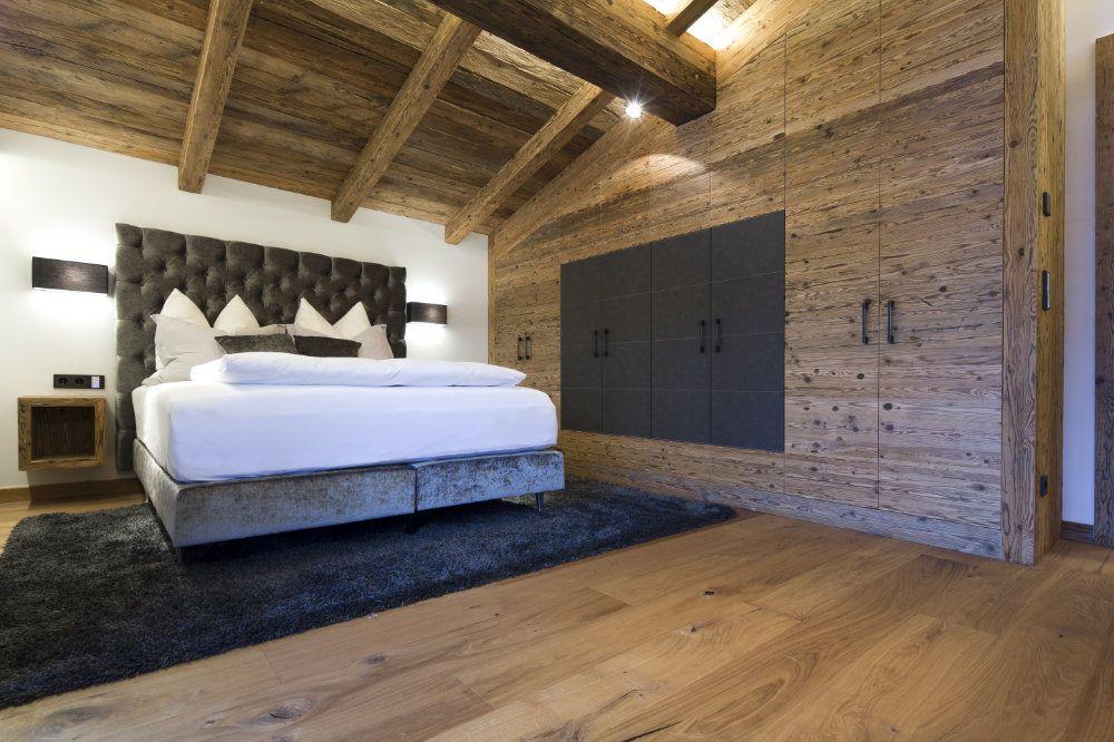 Altholz, Schlafzimmer, Chalet, Boxspringbett | Wohnen | Pinterest ...