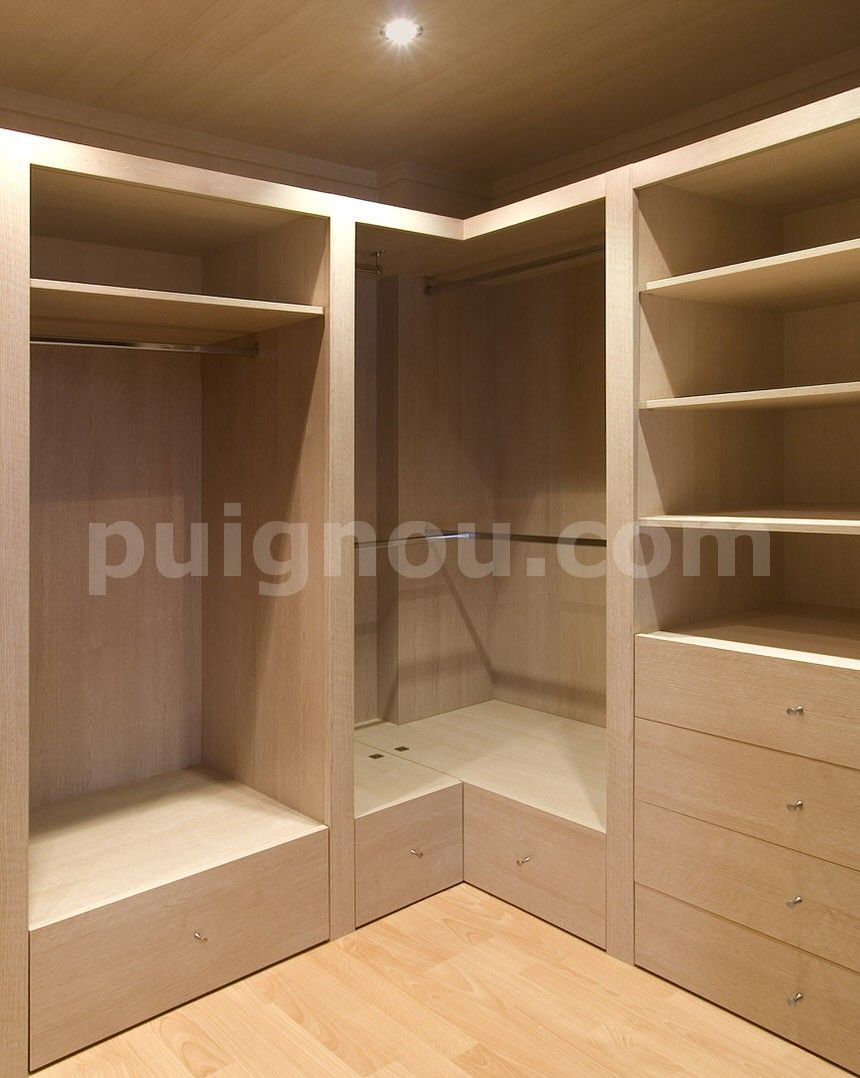 Vestidores de madera puignou nomar8 carpinteria pinterest for Closet en madera