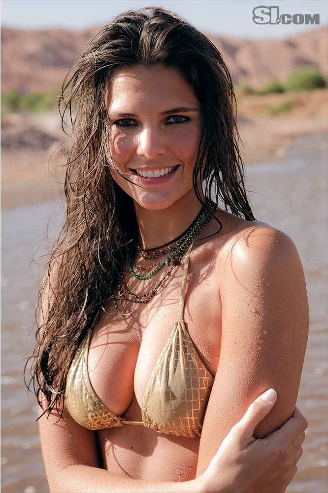 Daniella Sarahyba by Ricardo Tinelli for Sports
