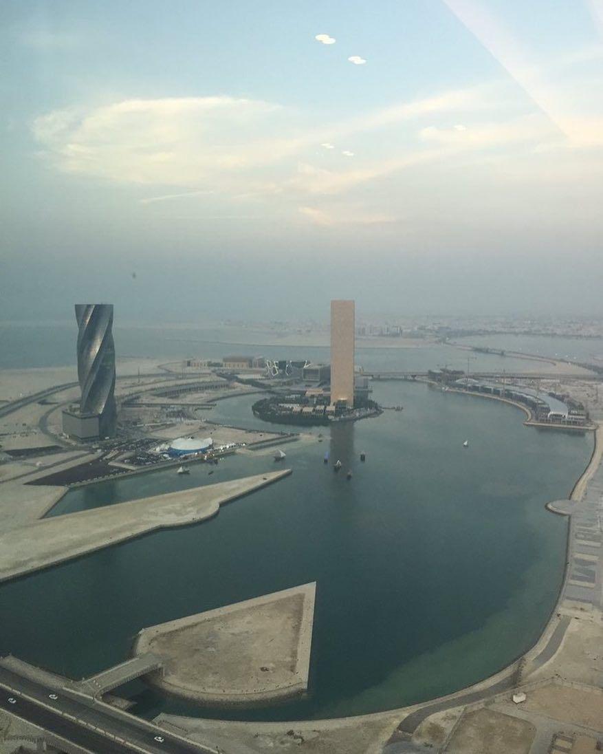 هكذا تبدو البحرين من الطابق بالمرفأ المالي الله يحفظج يا ديرتنا الغالية تصوير Msalansari فعاليات البحرين Instagram Airplane View Instagram Posts