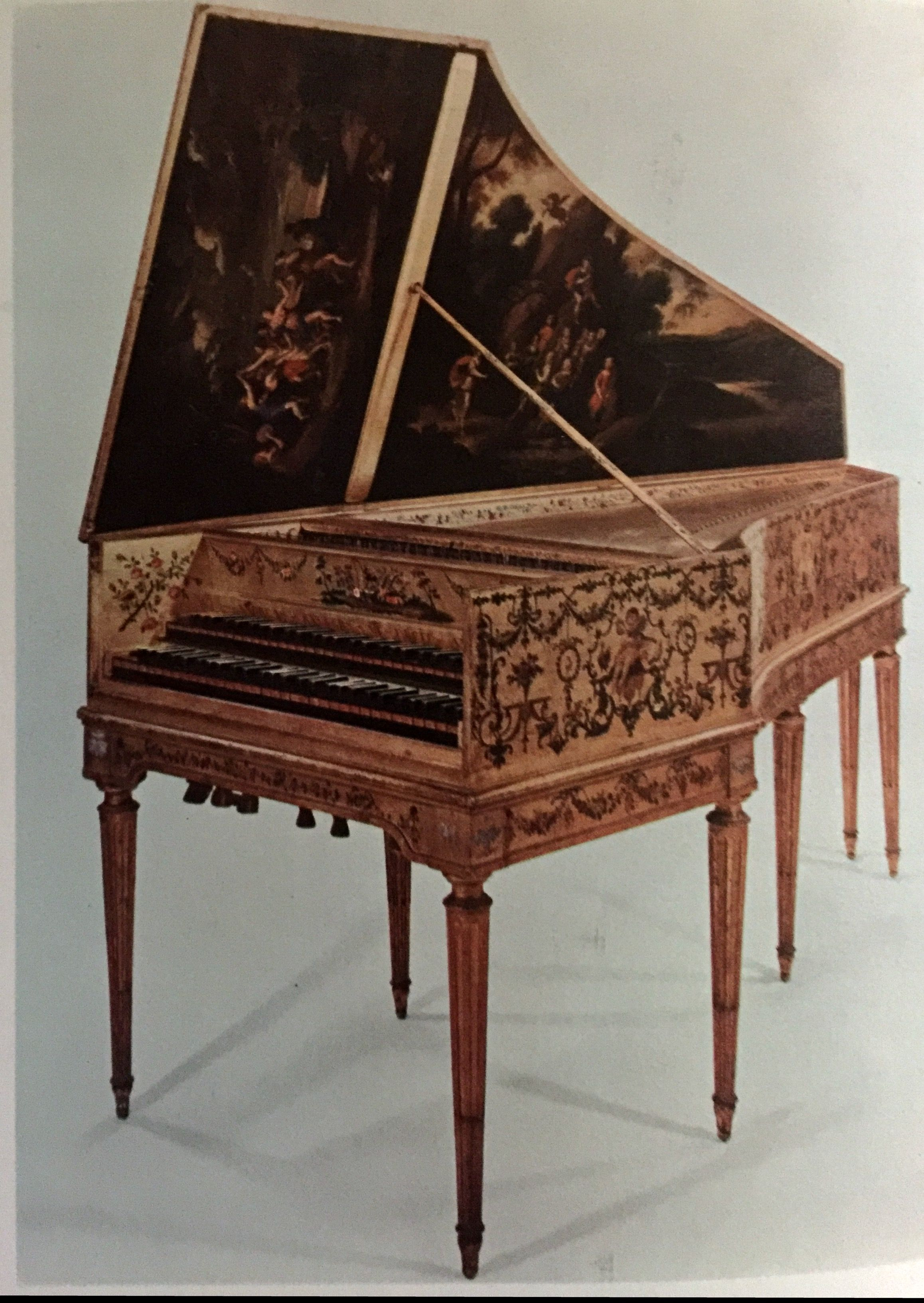 Harpsichord by Andreas Ruckers, 1640 Acoustic Piano