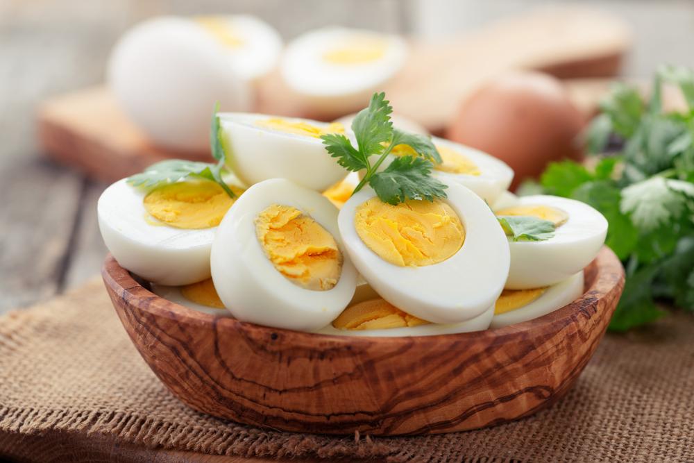 تناول البيض يوميا يزيد الوزن