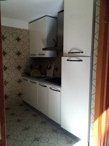 Appartamento Monica San Felice Circeo Offering a barbecue and views of the sea, Appartamento Monica is set in San Felice Circeo in the Lazio Region. National Park of Circeo is 2.2 km from the property. Free private parking is available on site.