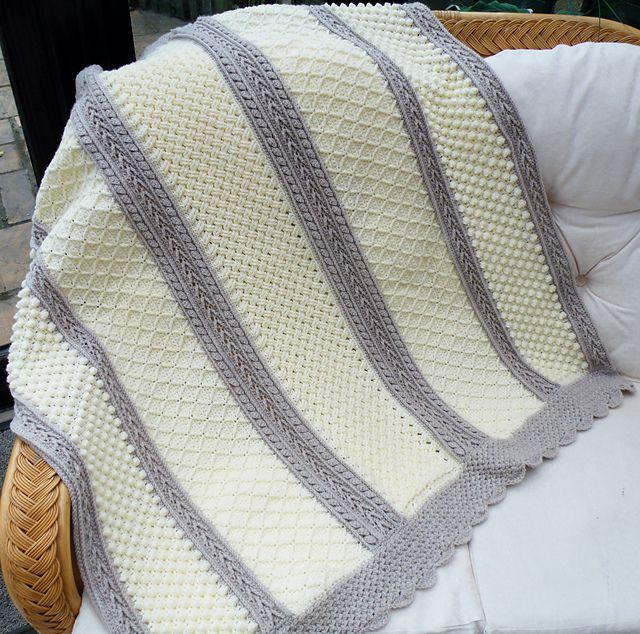 Aran Hearts Afghan - Free Crochet Pattern   Ponchos y Manta