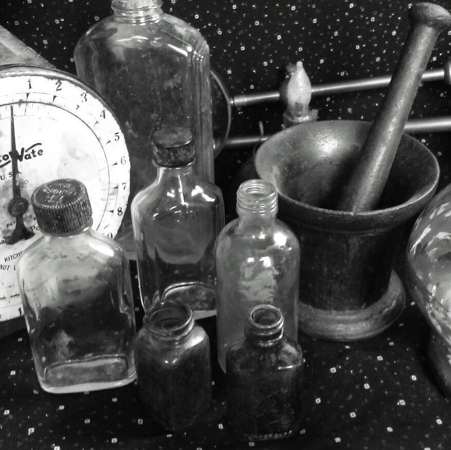 Authentic Halloween Asylum Mad Scientist Pharmacy Set of 6 Dug 1950s - halloween decorations vintage