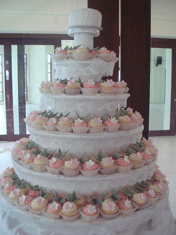 I love the whole wedding cupcake cake idea :) so cute :) | Marry ...
