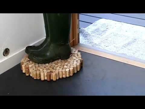 Diy recycled cork floor mats cork wine and craft diy recycled cork floor mats solutioingenieria Images