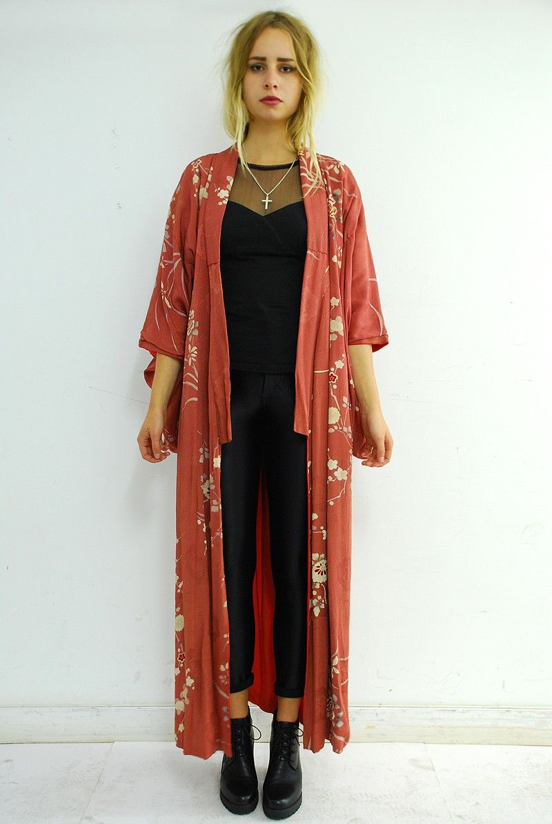 53dc295257370a 1950′s vintage kimono.Beautiful red kimono with a cream cher ...