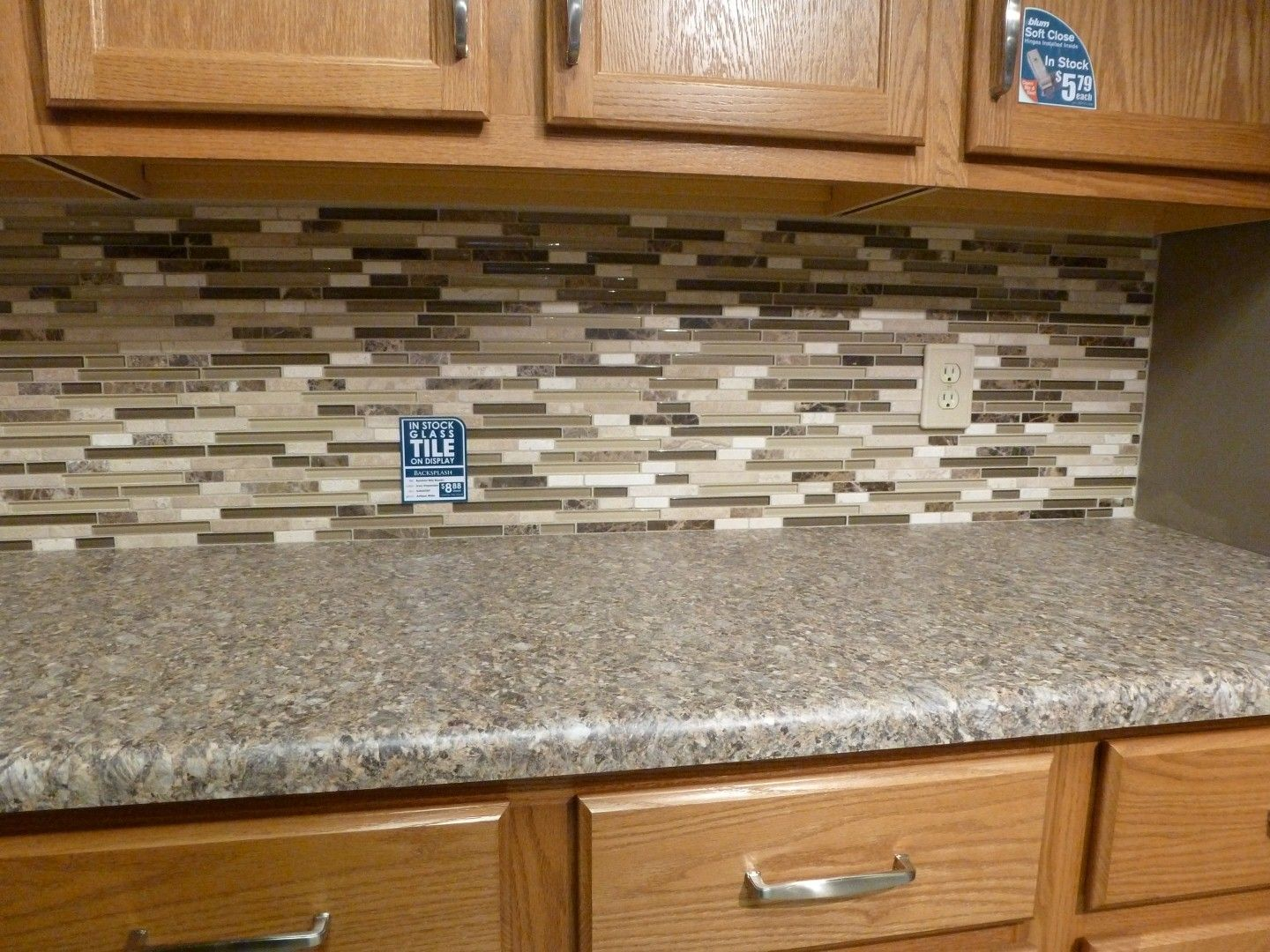 Mosaic kitchen tile backsplash ideas 2565 for Grey kitchen floor tiles ideas