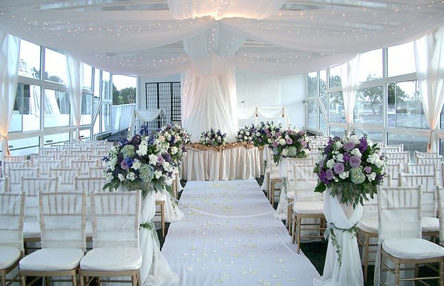 Tie the knot aboard a stylish yacht for a unique on thewater