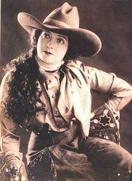 vintage cowgirls #cowboysandcowgirls