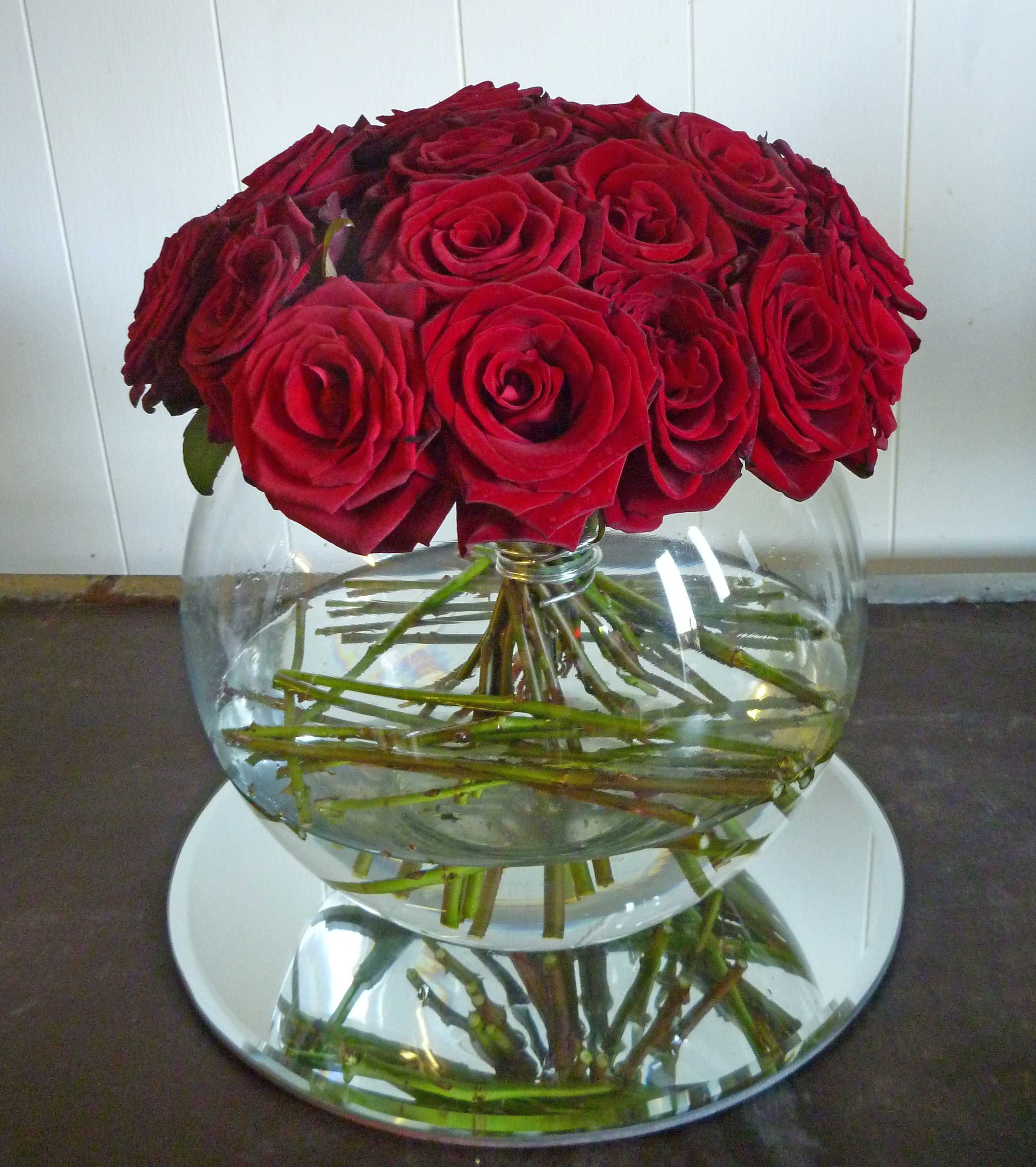 68VR Red Rose, Gold Fish Bowl, Mirror Plate | Gala | Pinterest ...