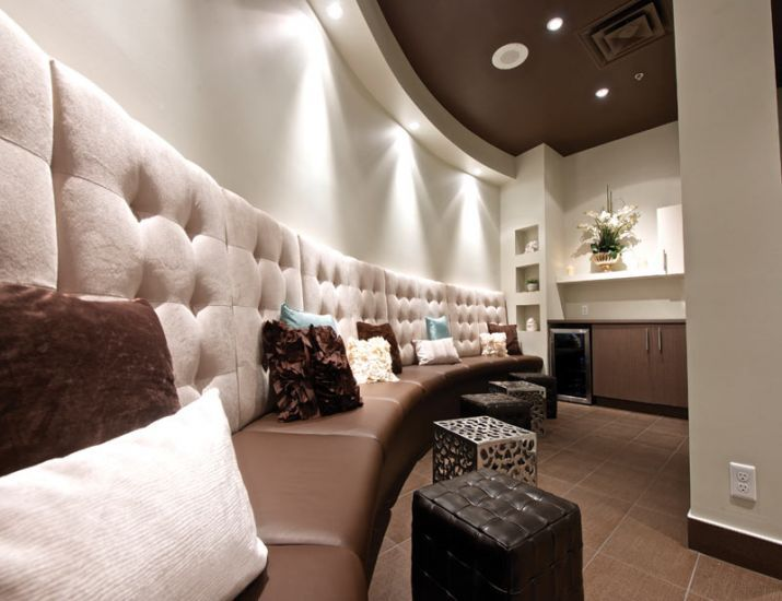 Jerry S Hair Salon And Day Spa In Winnipeg With Images Salon