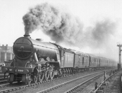 A Tribute to Gordon's Brothers part 1 (LNER Apple Green FS). - YouTube
