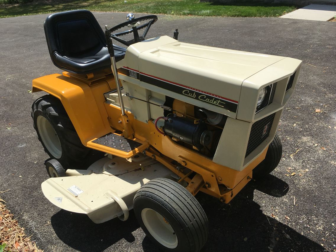 International Cub Cadet 129. Cub Cadet, Ih, Cubs, Tractors, Bear Cubs