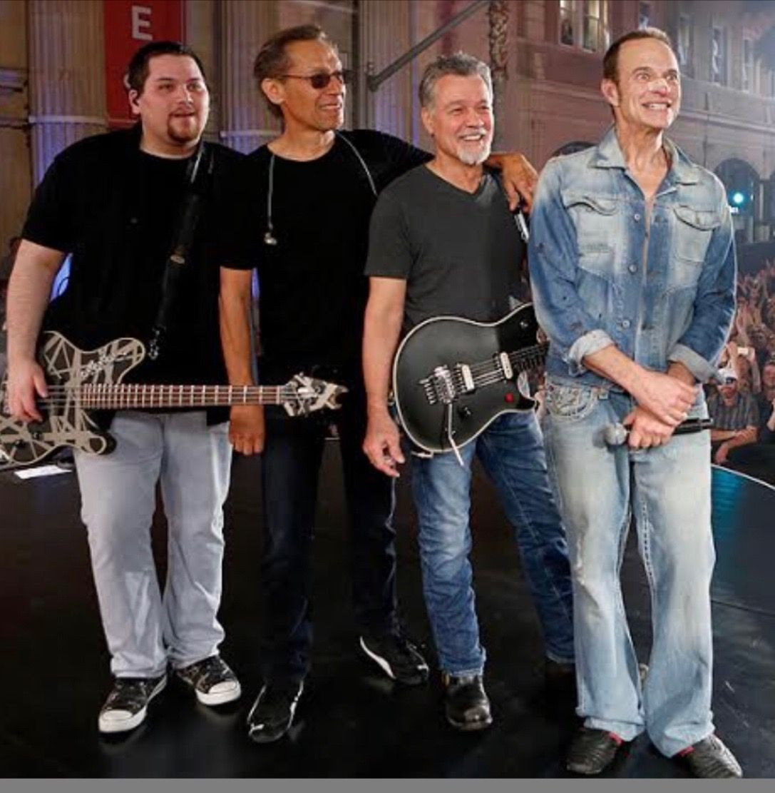Pin By Barbara Miller On Fun Van Halen Van Halen David Lee Roth Metal Horns