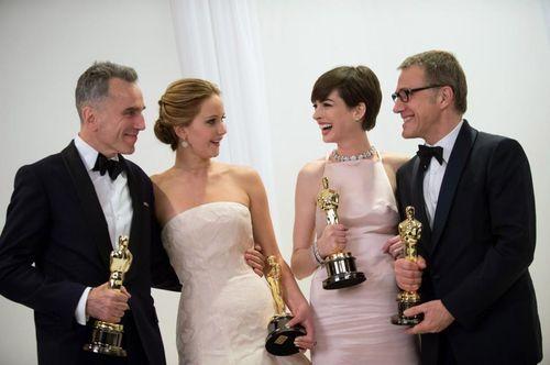 Oscars! (oscars,anne hathaway,jennifer lawrence,daniel day ...