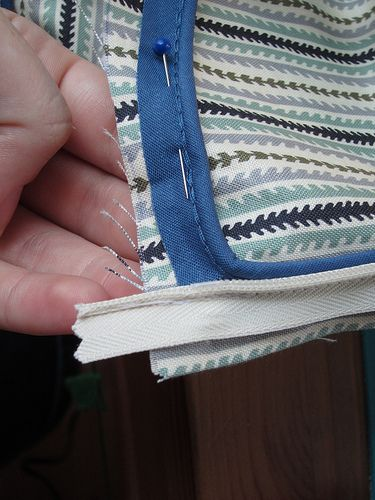 Dixie DIY : mini tutorial and tips on how to sew a pillowcase with piping and a zipper