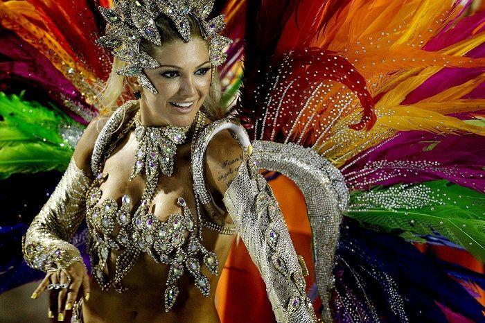Карнавал в Рио-де-Жанейро - самое яркое действо в Бразилии.