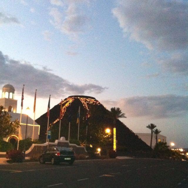 Playa Blanca: Hotel Melía Volcan http://www.ebooking.com/en/lanzarote/hotels/