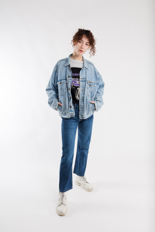 Wrangler Trucker Denim Jacket Vintage Faded Wrangler Jacket 80s Ladies Denim Jacket Men S Trucker Jacket Oversized Jacket Size M Vintage Denim Jacket Denim Jacket Women Light Jacket [ 3000 x 2000 Pixel ]