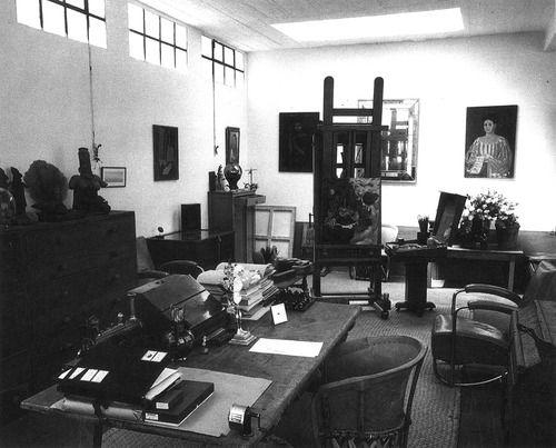 frida kahlo's studio, 1949.