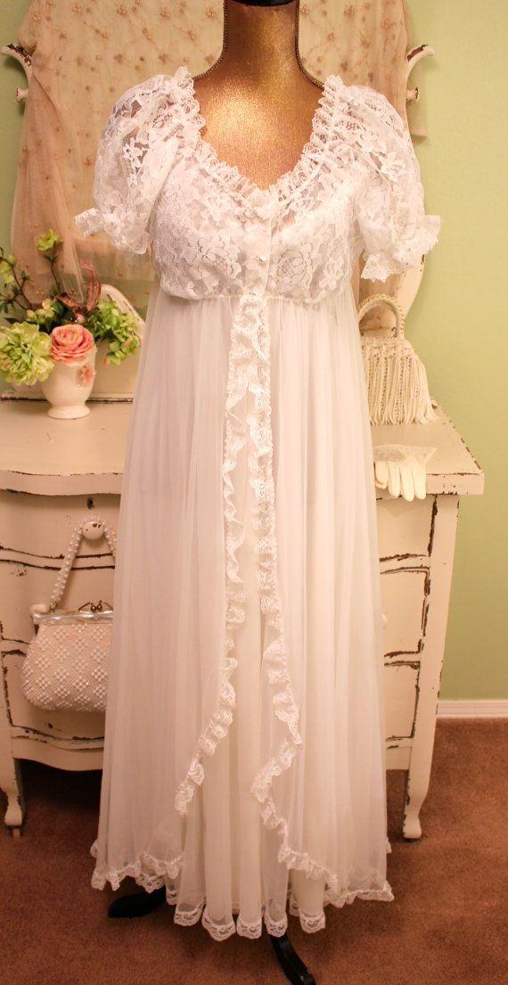 70s Peignoir Set - White Lace Negligee - Bridal Lingerie - 1970s 60s ... cf31f68de